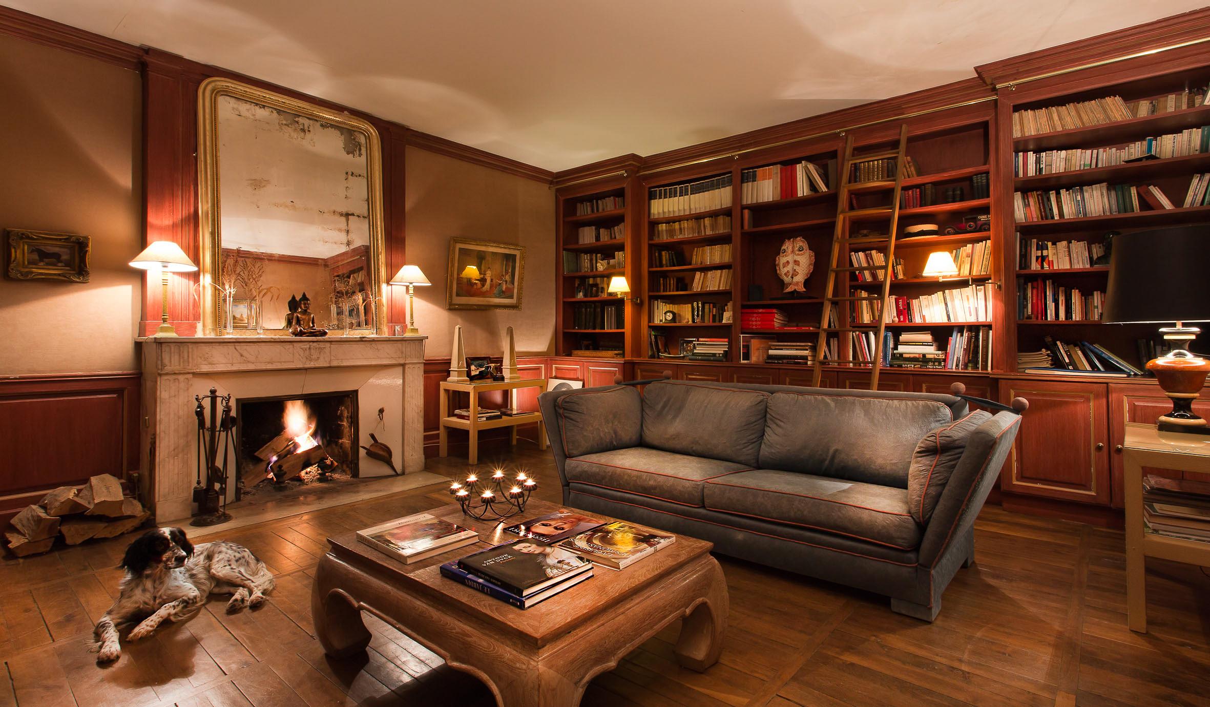 Hôtel de Charme, Bourgogne - Bibliothèque Château de Courban